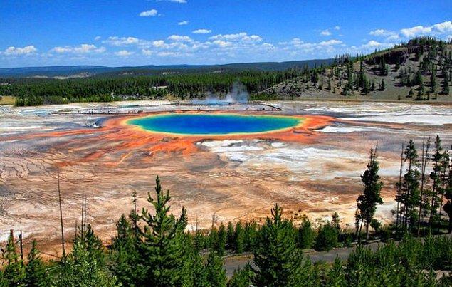 5. Grand Prismatic Springs / ABD
