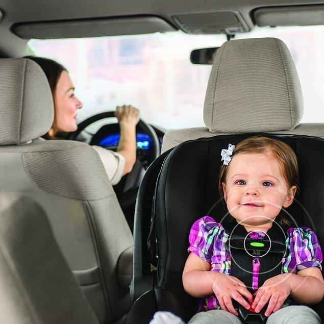 3. Bu koltuk yolda giderken sürekli yaydığı sinyallerle bebeğinizi unutmamanızı sağlıyor.