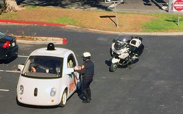 Polis çevirmişti