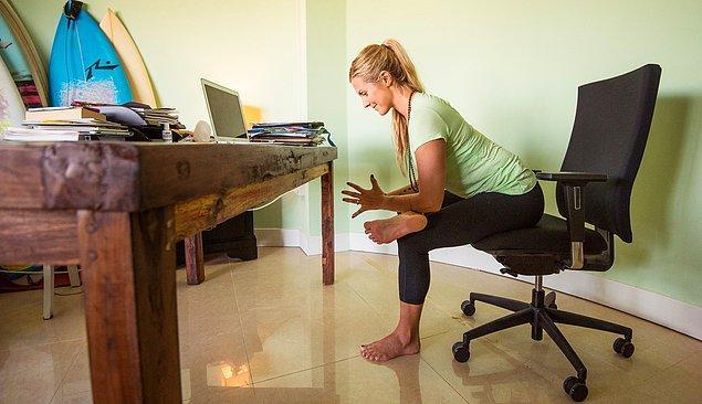7. Gün boyu oturmak, üst bedenle alt beden arasındaki kan akışını azaltır.