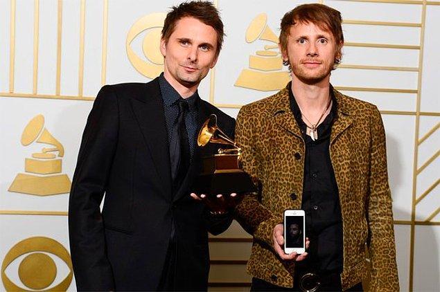 Gecede, Drones albümüyle ödül kazanan Muse ise 2. kez En İyi Rock Albümü ödülünün sahibi oldu.