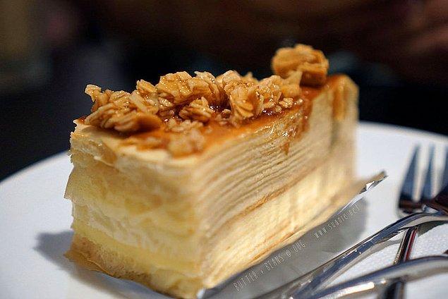 12. Yaş pastanın en güzeli krokanlı olanıdır!