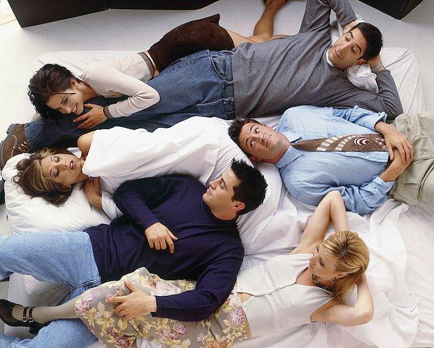 Wow,Joey Phoebe ile ikinci aşamaya geçiyor...