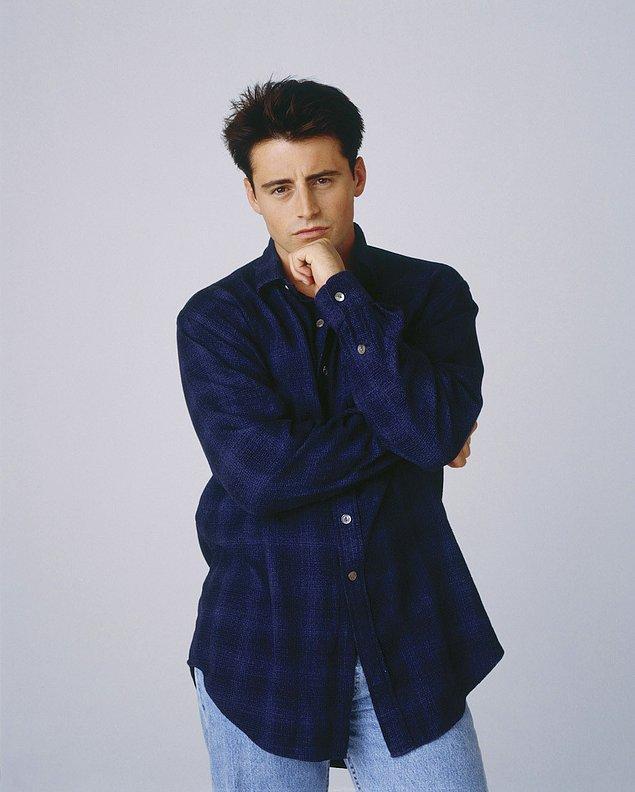 İddiaya girerim ki bu Joey'nin Days of Our Lives için olan çekimlerinden biri...