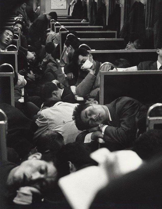 9. Sabah treninde uyuklayan Japonlar, 1964