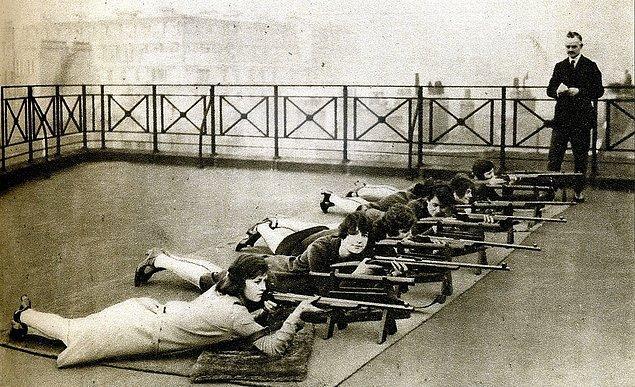 10. Kadın Atış Kulübü, Londra 1920'ler