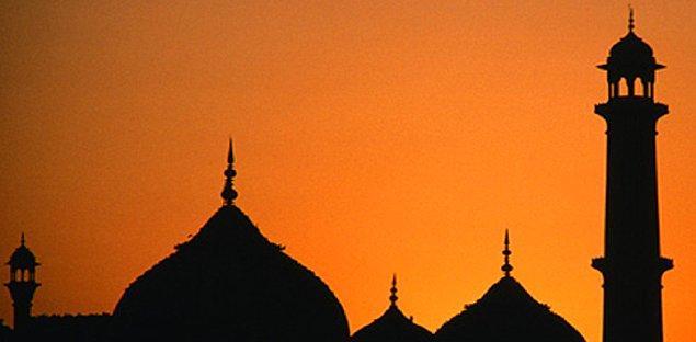 15. İslama daveti kabul eden ilk erkek kimdir?