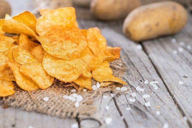 Patates cipsi uyuz bir müşteri sayesinde bulunmuş