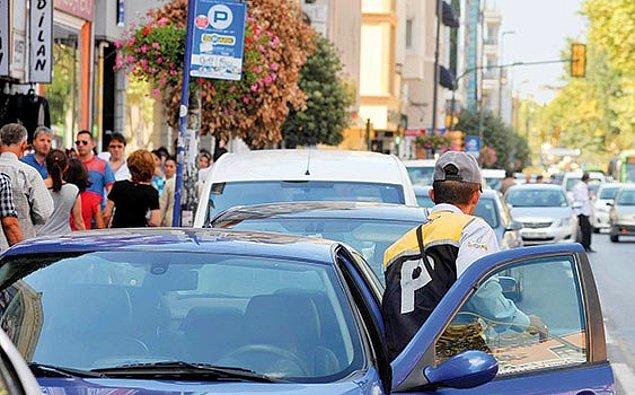 """12. """"Birader oraya park etmek ücretli yalnız."""""""