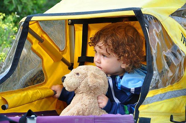 7. Çocuğunuzun sevdiği oyuncakları römorkunda yanına koyun. Bebek koltuğunda ise...