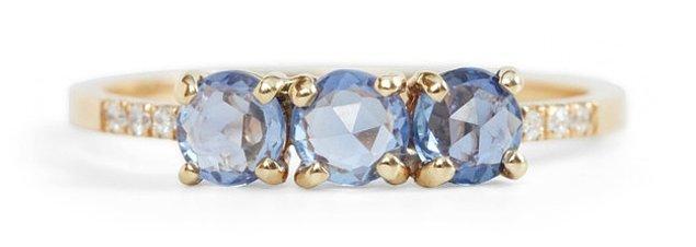2. 3 taşlı muhteşem mavi safir yüzük: