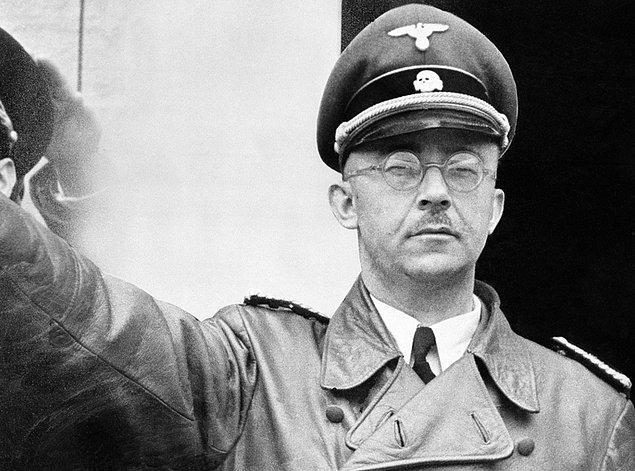 Himmler, küçük yaşlarından itibaren savaş aşkıyla yanıp tutuşan biriydi.