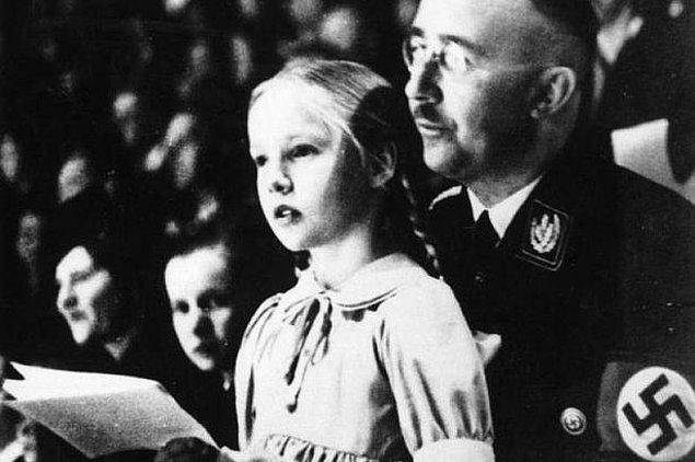 Himmler'in Hitler'den çok daha üstün bir öngörü yeteneğine sahip olduğu da açıktı.