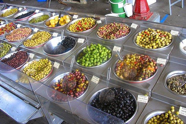 11. Türkiye dahil olmak üzere, zeytinin yetiştirildiği ülkeler için zeytin çeşitleri kocaman bir okyanus gibidir.