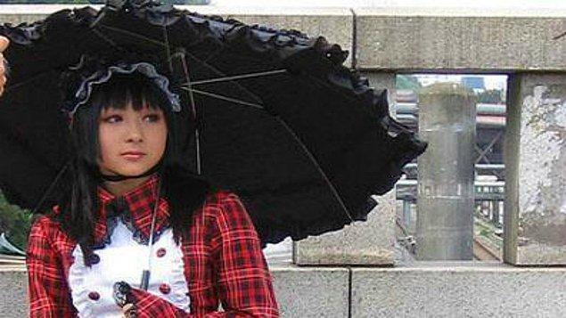 3. Gotik Lolita- Japonya