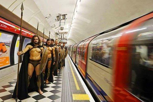 """9. """"Beyler, sığmayanlar metroya binsinler. Oradan da metrobüse binip aktarma yapsınlar. Herkesi alamıyoruz atın içine."""""""