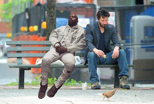 8. Daha önce photoshop kurbanı olan Keanu Reeves ile bir araya getirilmeleri de takdire şayan.