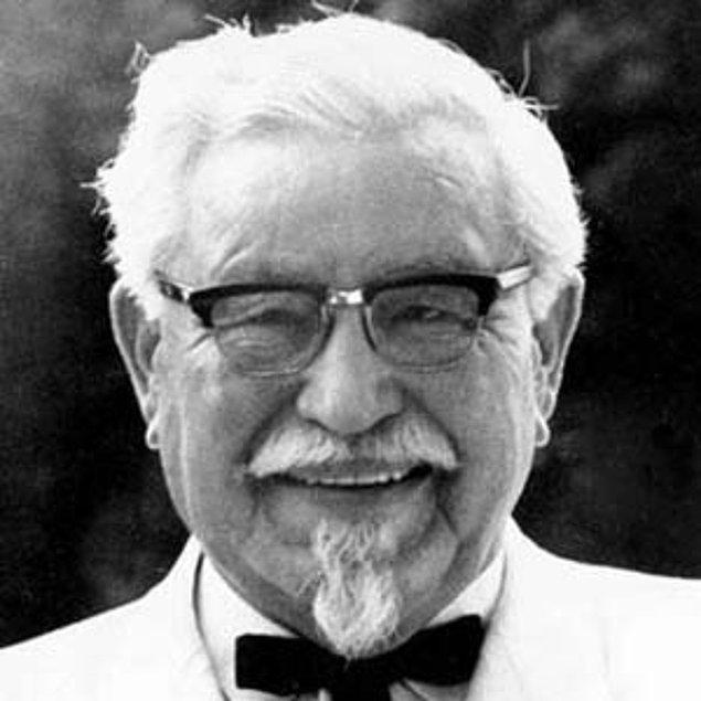 15. Colonel Sanders, Kentucky Fried Chicken'ı 1952'de bayiliğe açtığında 62 yaşındaydı.