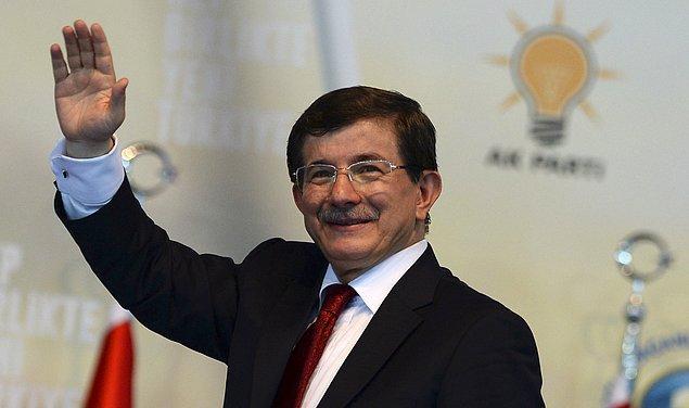 2. Balık burcunun şirin ve sempatik tarafını en iyi gösteren kişi ise kesinlikle Ahmet Davutoğlu!