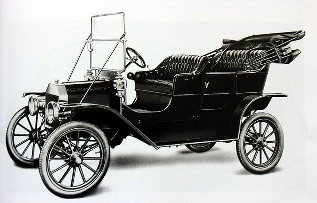 7. Henry Ford, devrim niteliğindeki Model T'yi yarattığında 45 yaşındaydı.