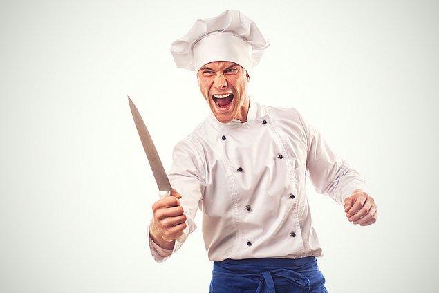 6. Mutfak ateşten bir gömlektir, sakince giymesini bilin