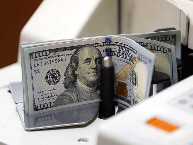 Dolar/TL açıklama öncesi 3'ü gördü