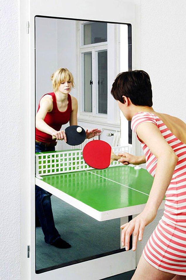 12. Tenis masası olan kapı