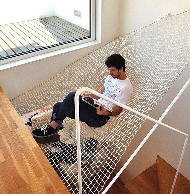 21. Merdiven boşluğunda hamak