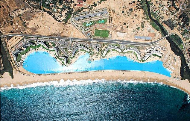 14. Şili'deki San Alfonso del Mar tatil köyünde bulunan dünyanın en büyük havuzunda yüzün.