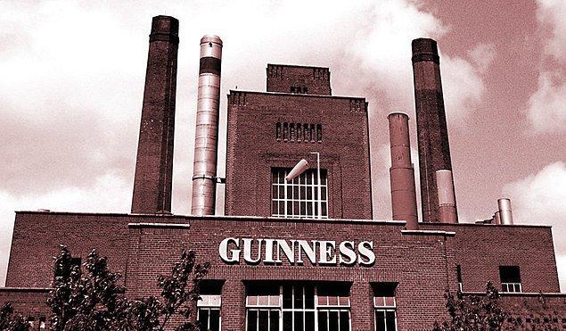 46. Dublin'deki Guinness bira fabrikasını ziyaret edin.