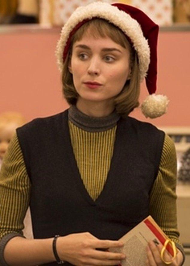 12. Carol filmindeki rolüyle Rooney Mara (En İyi Yardımcı Kadın Oyuncu)
