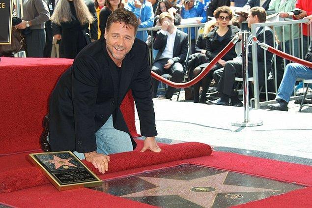7. Yıldızların çoğu sinema oyuncularına ait.