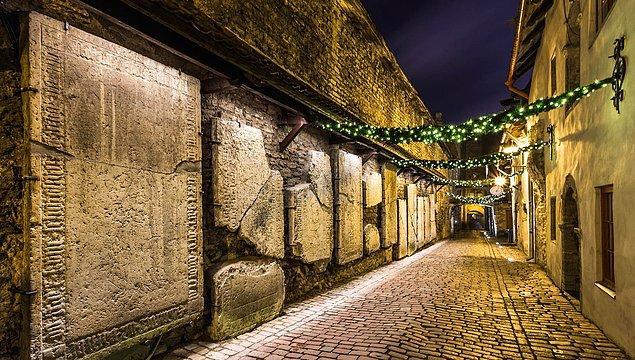 """5. Başken Talin'in """"Eski Şehri"""" komple UNESCO Dünya Mirası Listesinde koruma altında."""