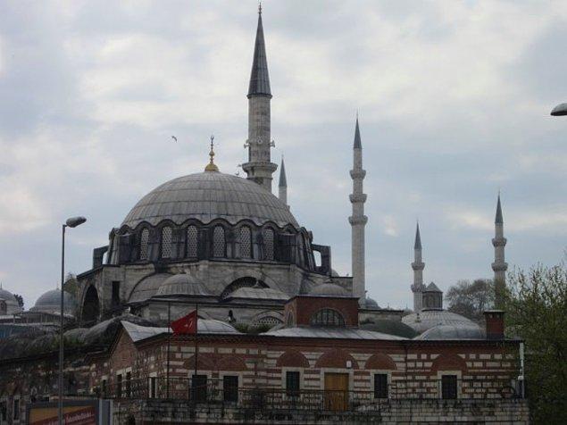 6. Rüstem Paşa Camisi