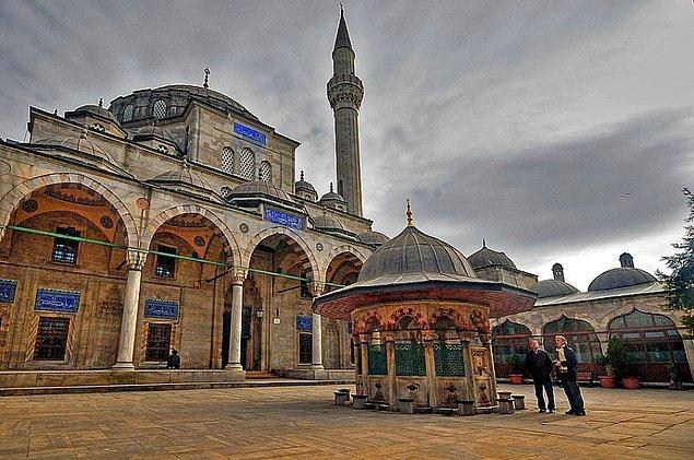 10. Sokollu Mehmed Paşa Camisi