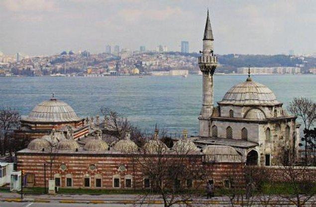 14. Şemsi Paşa Camisi