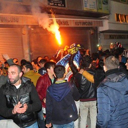 Fenerbahçe - Beşiktaş Maçının Ardından Taraftarlar Birbirine Girdi 92