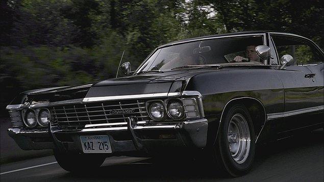 1. Pontiac, Chevrolet tarzında klasik bir arabaya sahip olmak.