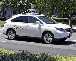 Google'ın İlk 'Kusurlu' Trafik Kazası