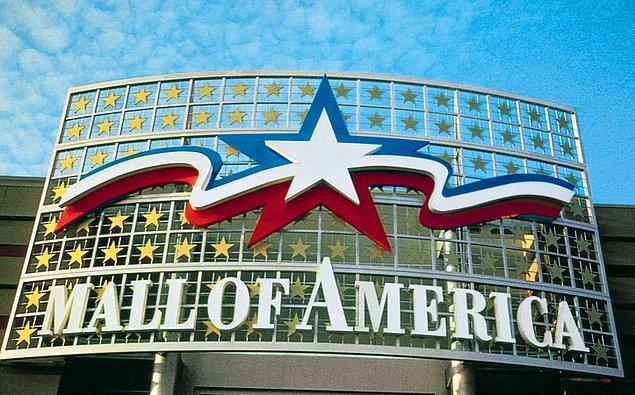 """Amerika Birleşik Devletleri'ndeki """"Mall of America""""nın (Amerika Alışveriş Merkezi) sahipleri Kanadalıdır."""