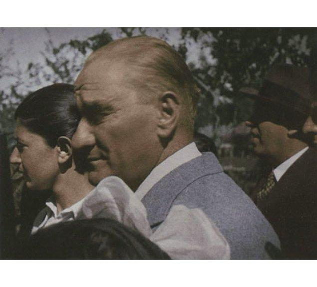 1. Atatürk Ağlıyor