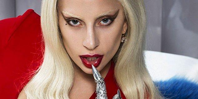 5. Koç burcunun cesaret edemeyeceği şey yoktur! İşte cesaretiyle ağzımızı açık bırakan Lady Gaga!