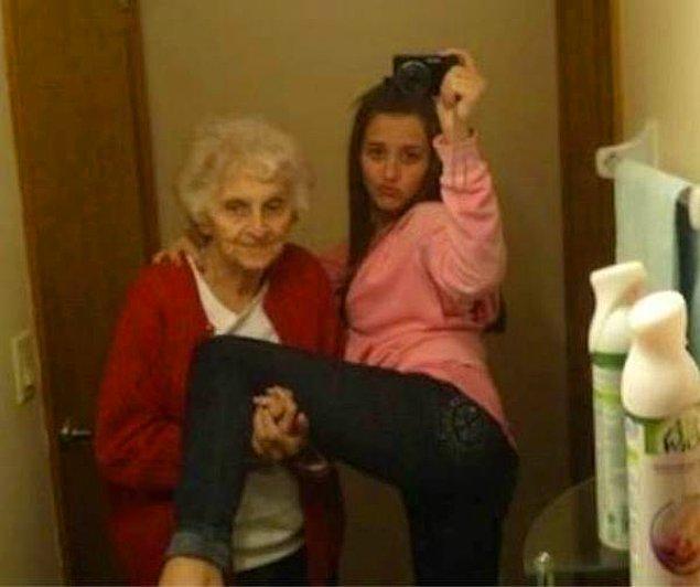 Бабушка 👵 в качестве поддержки...почему нет?