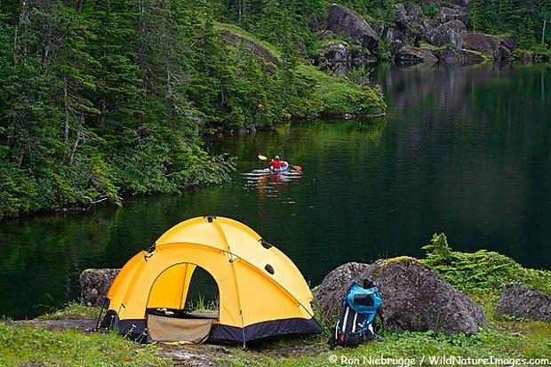 Doğayla iç içe çadırda bir tatil