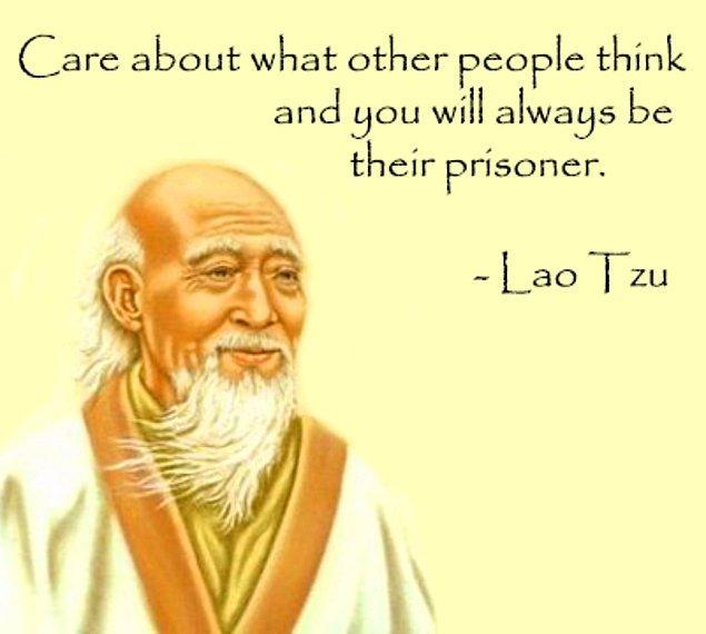 """2. """"Diğer insanların ne düşündüğünü önemsediğin sürece, onların mahkumu olursun."""""""