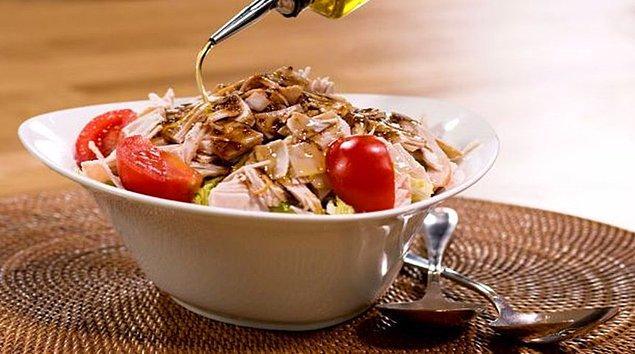 7. Füme Hindili Avokadolu Salata