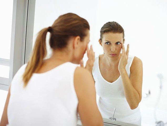 5. Doğru mu, yanlış mı? Göz altlarındaki morlukları gizlemek için, cilt tonundan daha açık bir renkte kapatıcı kullanmalısın.
