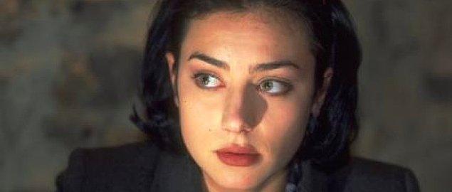 Kara Melek dizisi, ekranlardan yıllarca düşmeyecek yetenekli genç oyuncuları bizlere tanıştırdı ve 2000 yılında sona erdi