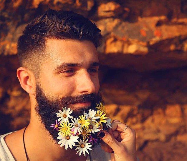 6. Çiçekleri hep kadınlar kullanacak değil ya...