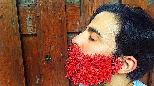 4. Kıpkırmızı çiçeklerle karşılaşmak mümkün.